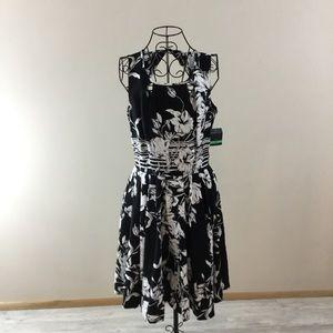 Dresses & Skirts - 🆕 Gabby Skye Black & White Fit & Flare Dress NWT